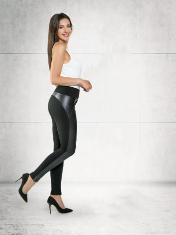 Lady with black leggings